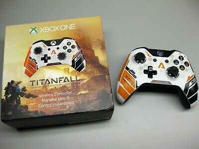Microsoft-Xbox-One-Limited-Edition-Titanfall-Controller-J72-00001.jpg